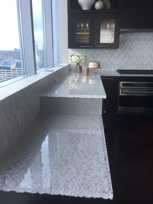 "CT-081 2"" Thick Crystal Clear Escala Countertops"